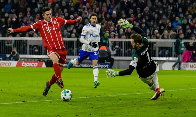 Lewandowski dispara ante Fahrmann