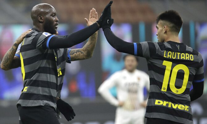 Romelu Lukaku y Lautaro Martínez, dos de los jugadores clave en las apuestas para el Inter vs Juventus