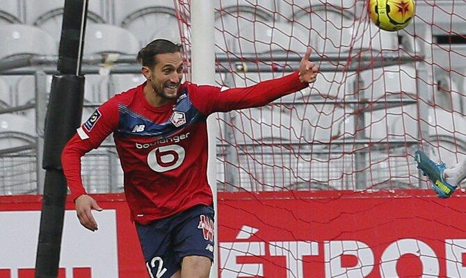 Yusuf Yazici celebra un gol en el partido de la primera vuelta. Revisa nuestros pronósticos para el Mónaco vs Lille