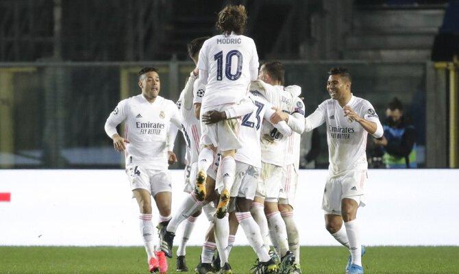 Los Blancos celebran un gol, imagen que se repetirá si se cumplen los pronósticos del Real Madrid vs Atalanta