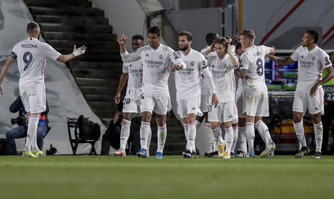 Los Merengues celebran un gol en la ida. Revisa nuestros picks para el Liverpool vs Real Madrid