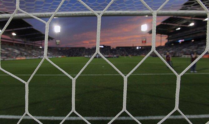 Imagen de la red de una portería. Revisamos las cuotas del Atlético Nacional vs La Equidad