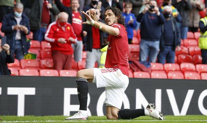 Cavani celebra con un con los Red Devils en la imagen. Cuotas Villarreal vs Manchester United